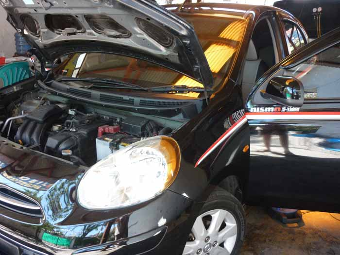 Servis AC Mobil Nissan March