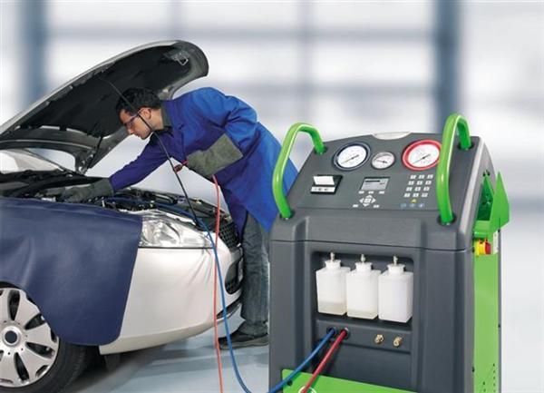 air-conditioning-service-surabaya